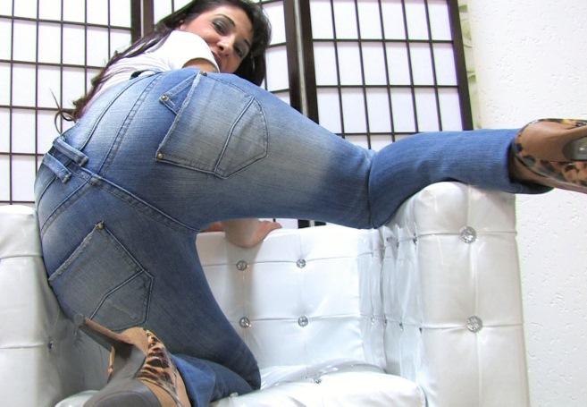 jeansbabes-mara-milf-2