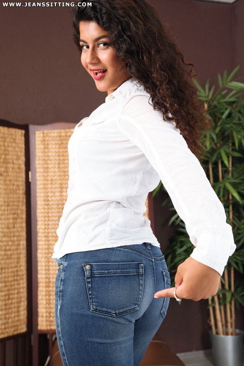 jeanssitting-giselle-4