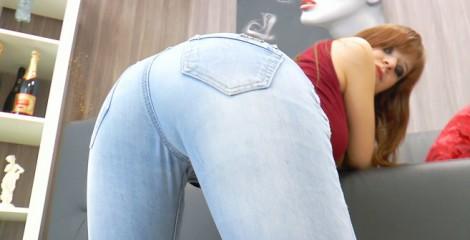 amber-verfuehrt-dich-in-jeans-1